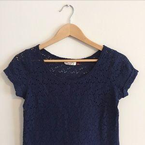 Lace cutout blue t-shirt